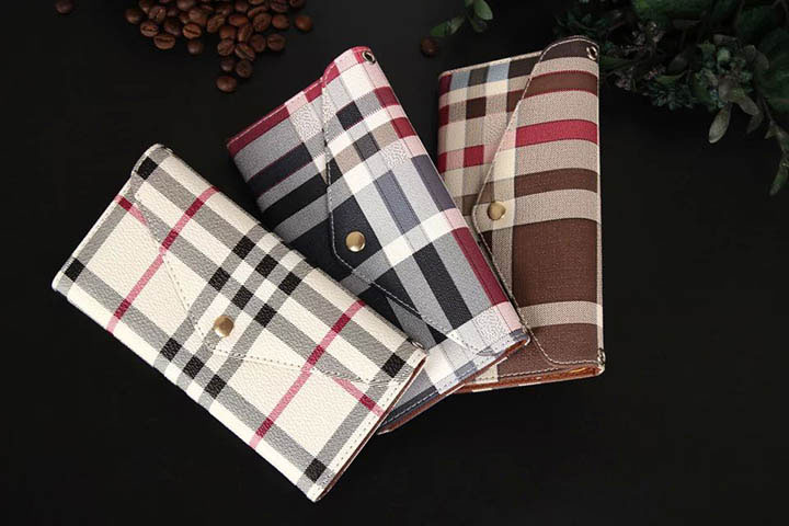人気 burberry iphone6s カバー